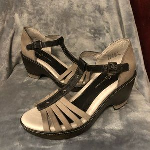 Jambu Dutch design women's sandals size 10